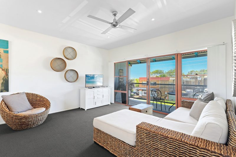 In the Heart of Huskisson! : image