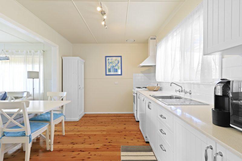 Ivy Beachside Cottage Coastal Comfort Vincentia : image