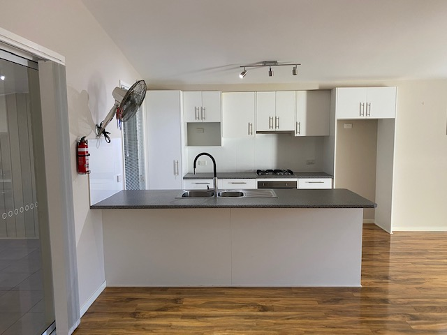 Free Standing Modern Villa : image